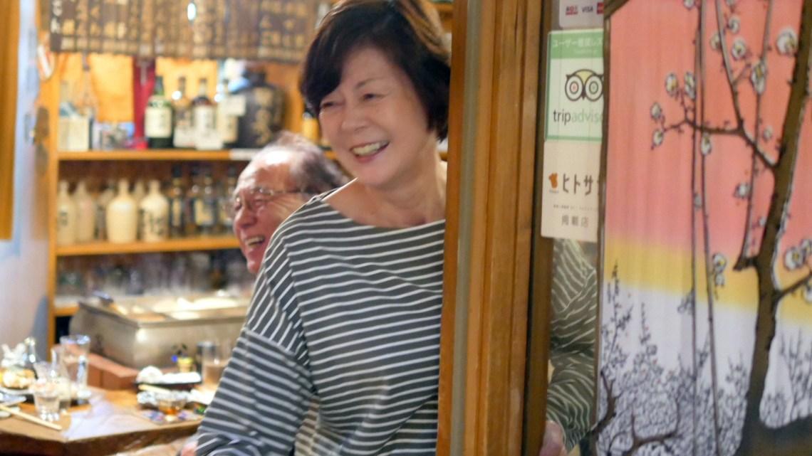 ふじりんでおいしい肴に楽しいお話で良い時間、小樽駅なかマートタルシェと小樽お土産大注目の大人気六美のたるどらの話も楽しく、タラのフライ、あん肝に蟹雑炊、楽しい時間。