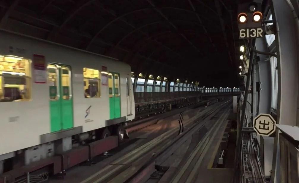 ゴムタイヤ地下鉄