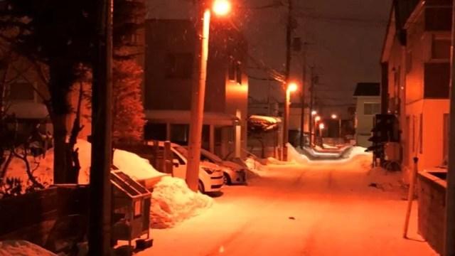 冬の狭い道