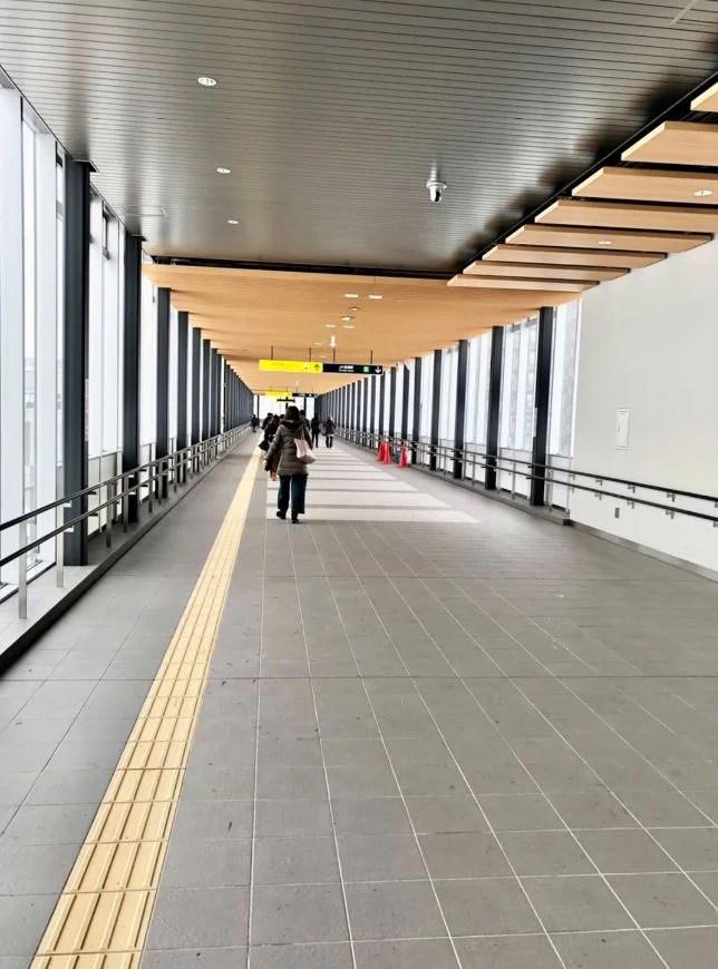 駅上空中歩廊
