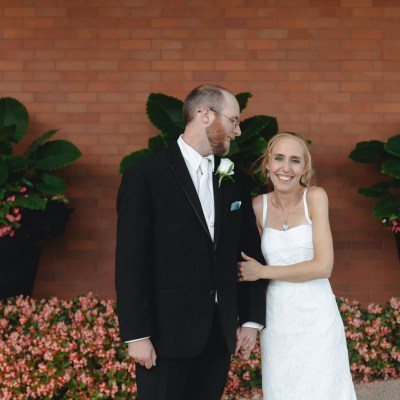 Summer, Crystal Lake, Illinois blue and aquamarine wedding photographed by Sara Anne Johnson