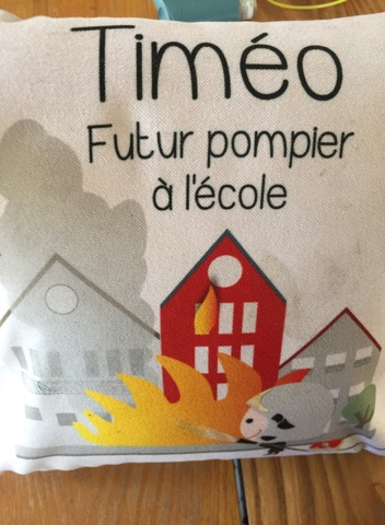 BabySphère et le coussin d'école personnalisable de Timéo .