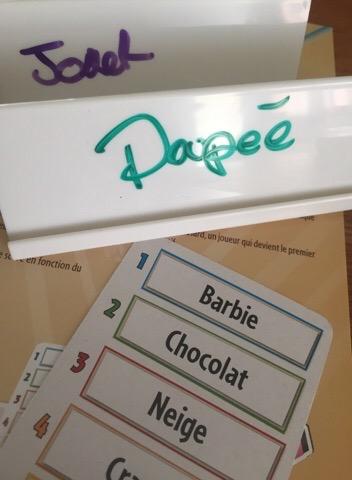 Just One: le jeu de devinette coopératif innovant de Repos Production.