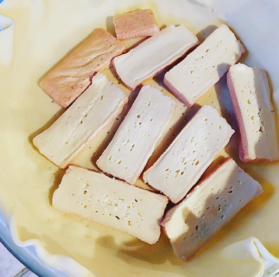 Recette de la célèbre tarte au Maroilles. (Entrée ou Plat)