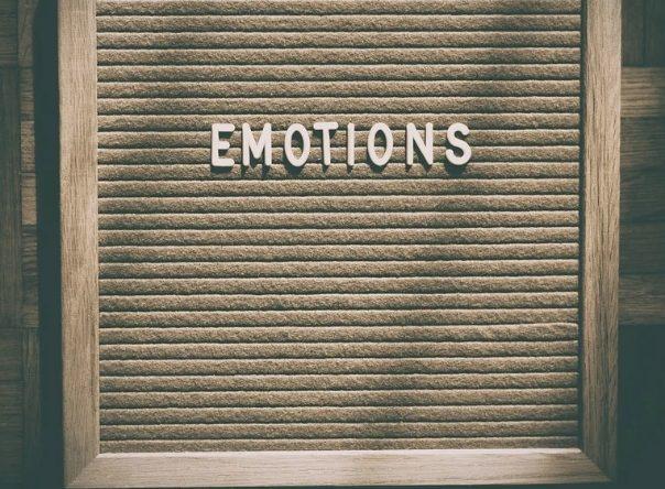 Comment aider son enfant à comprendre ses émotions ?