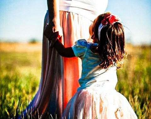 Et si on donnait un salaire aux mamans ? Qu'est ce que cela donnerait ? Petit tour d'horizon à prendre avec humour et autodérision. -