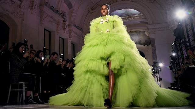 HAUTE COUTURE 2018 BEST THE HIGH FASHION FROM PARIS             HAUTE COUTURE 2018 BEST THE HIGH FASHION FROM PARIS