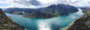 Lake_Gjende_Jotunheimen_Nationalpark_Norway