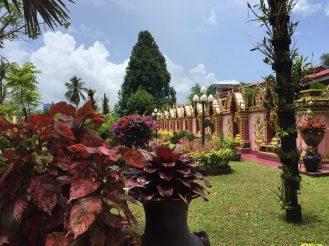Mongkol Wararam Temple, built in 1757. Stumbled upon.