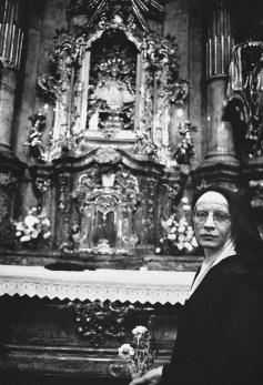 Carmalite Sister of the Child of Jesus, Bambino de Praga, Church of Our lady Victorius, Prague.