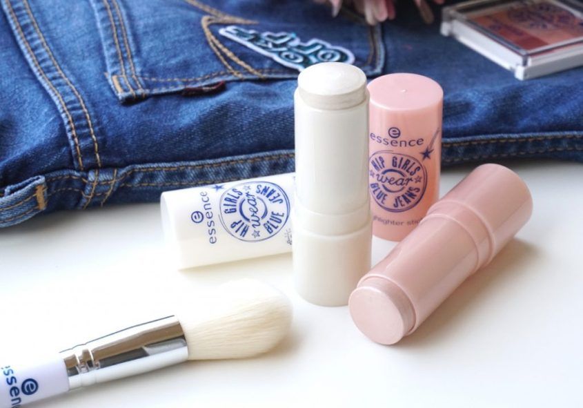 essence hip girls wear blue jeans highlighter stick