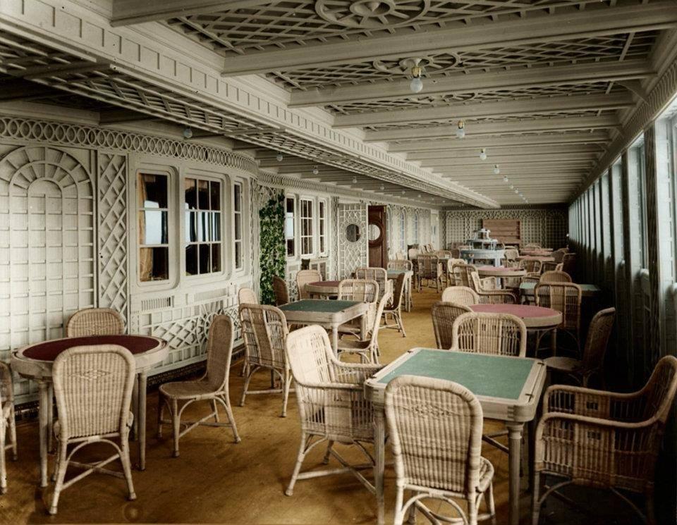 "Cafe on the ""Titanic""."