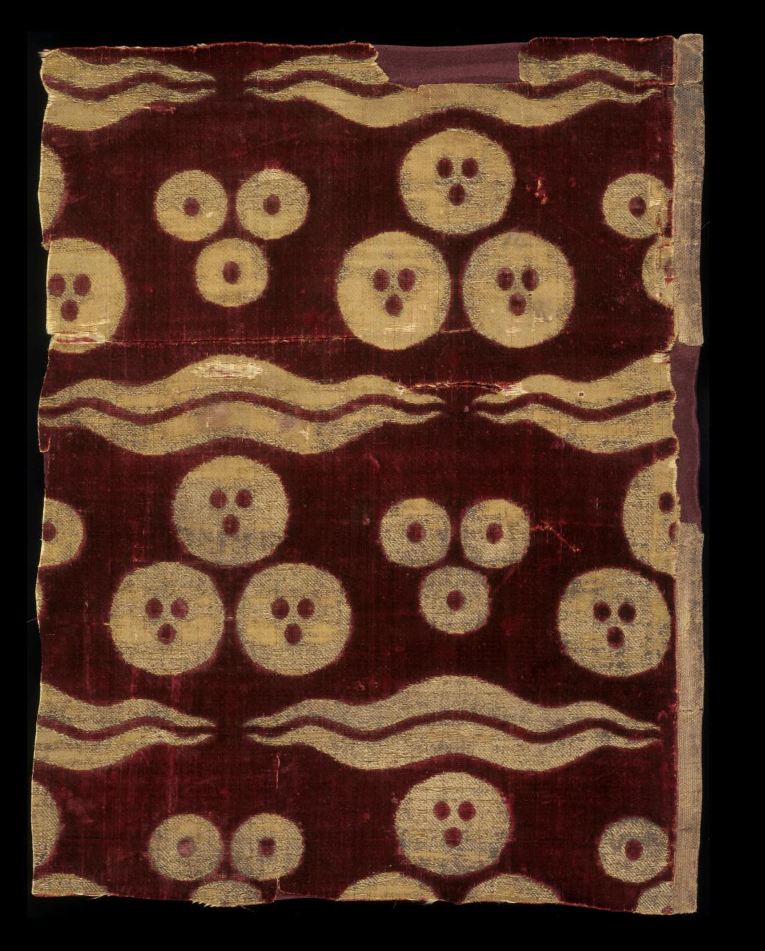 Bursa. ca. 1450-1550. Silk velvet and gold wrapped thread.