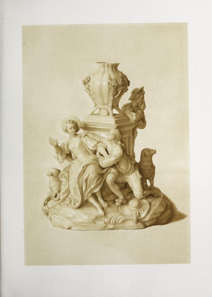 """""""Figurine en porcelaine blanche émaillée de Vincennes."""""""