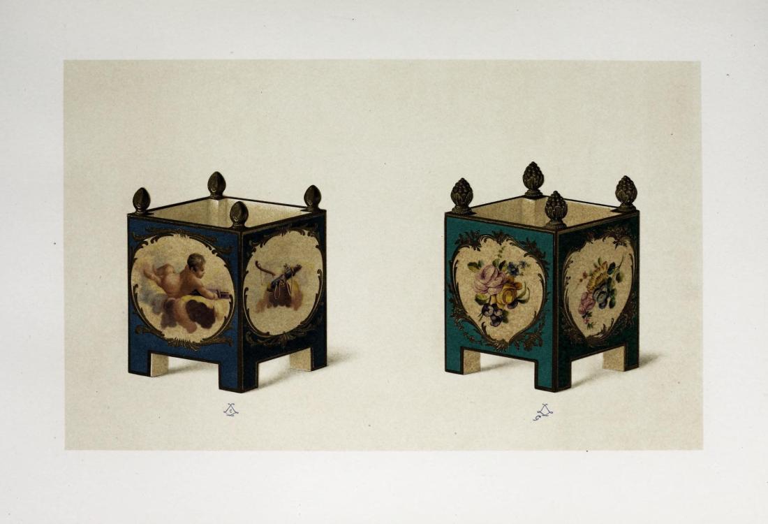 """""""Deux petit caisses, fond vert, en porcelaine de Vincennes."""" 1753."""