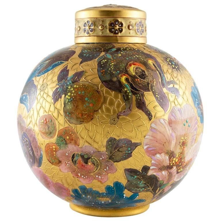 Pot pourri jar. 19th c.