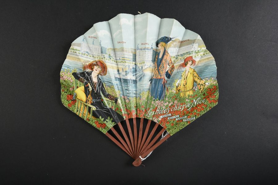 Fan from an advertising campaign for the Hôtels chics de Nice : Ruhl, Savoy, Royal et France.