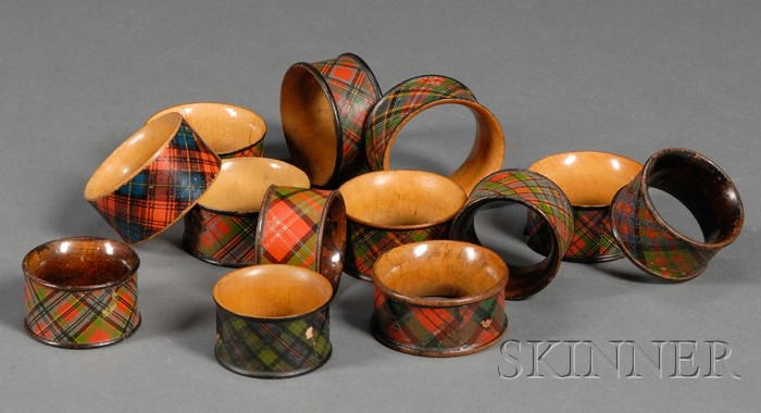 Thirteen tartanware napkin rings. Late 19th-early 20th c.