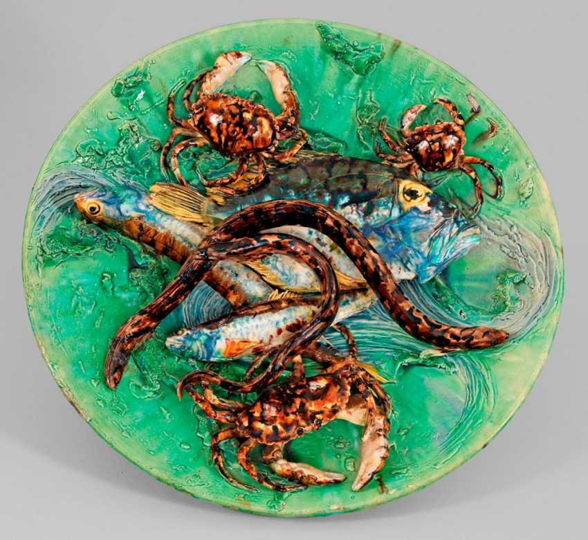 Wallplate with three-dimensional crabs and fish. 1890-1900.