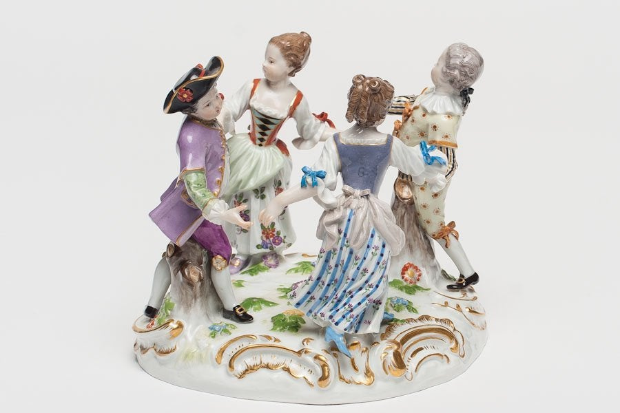 Figural group of children dancing in a circle. 19th c.