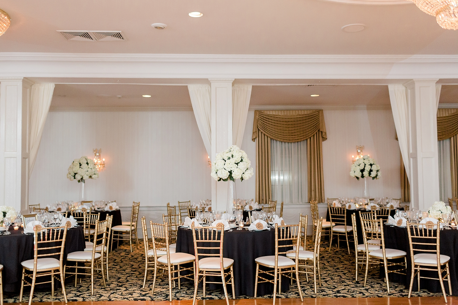 gold and black wedding reception | william penn inn wedding
