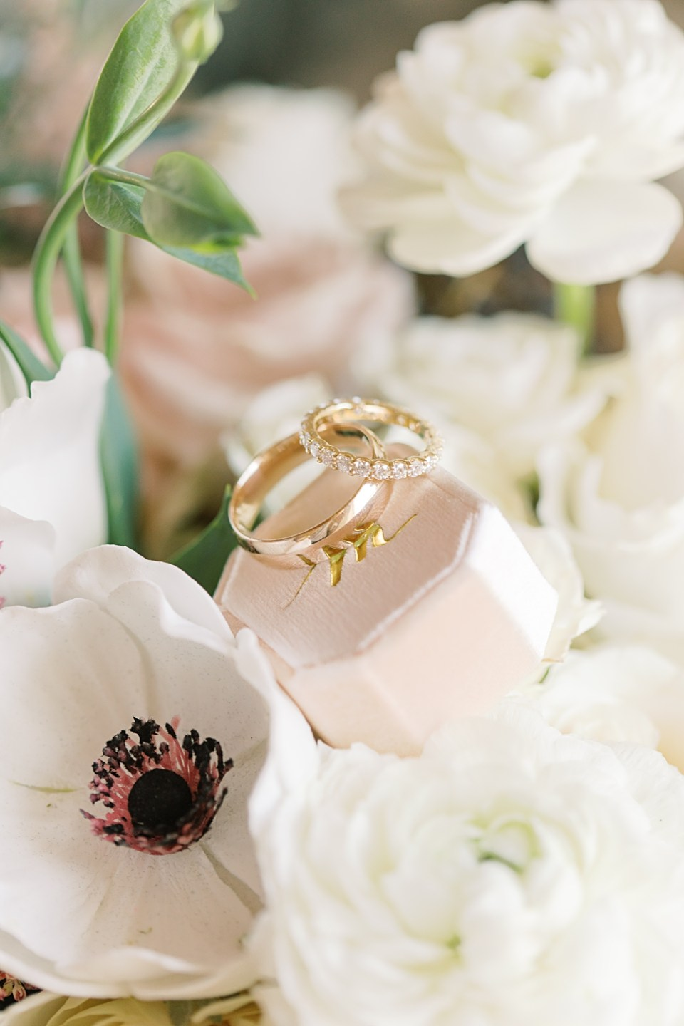 gold wedding bands | bear brook valley wedding photographer | sarah canning photography