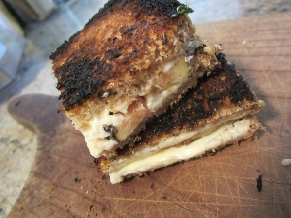 Grilled-Fig-Cheese.JPG