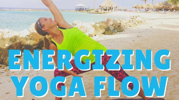 Start Your Thanksgiving Day With This 10-minute Energizing Yoga Flow