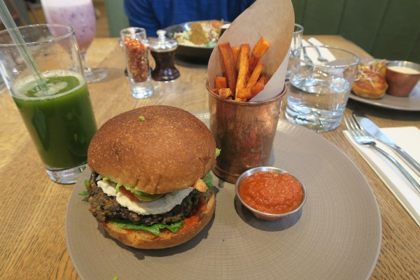 Burger at Farmacy