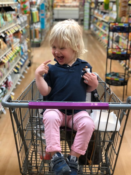grocery shopping with toddler