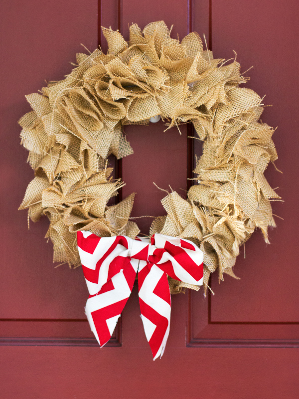 DIY Burlap Wreath Christmas Crafternoon from Emma Magazine via sarahhearts.com