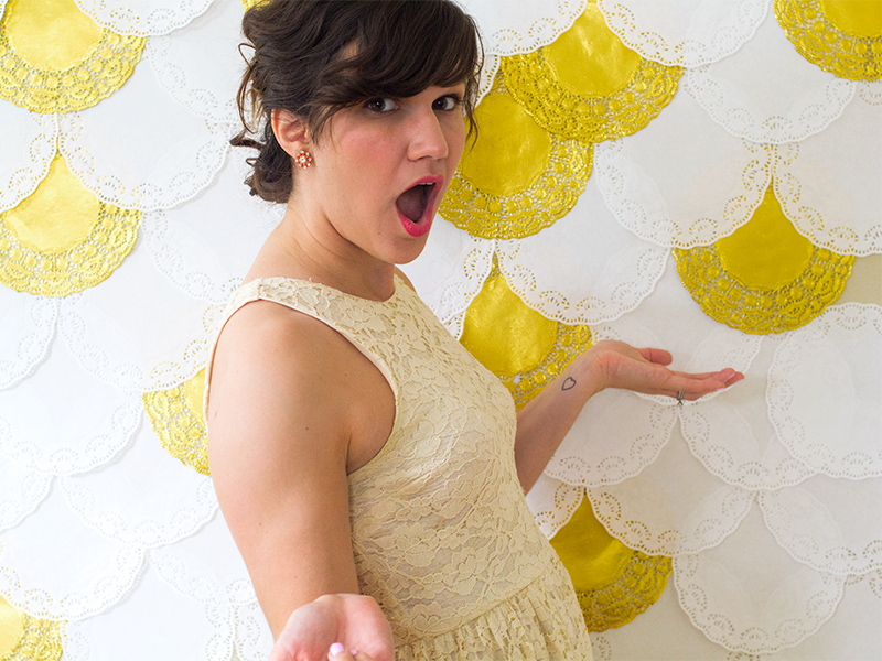 DIY Doily Photo Booth Backdrop | Sarah Hearts for Confetti Pop
