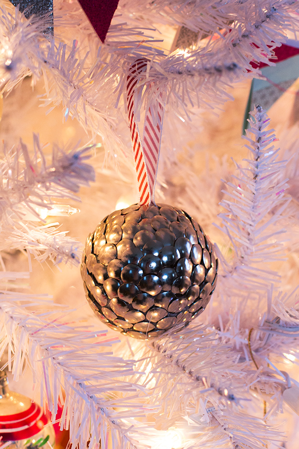 DIY Thumbtack Ornament