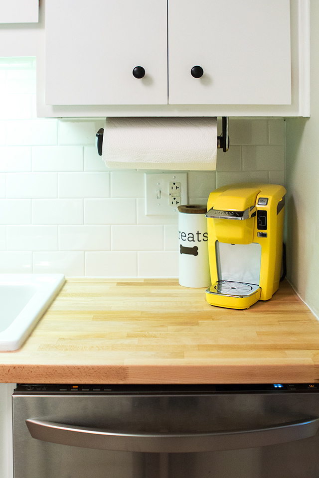 Loving this adorable bright yellow mini Keurig!