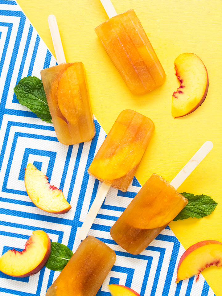Savor the flavors of summer with these delicious minty peach tea punch popsicles! They can be served over ice as a punch too! #Punch4Everybody #ad