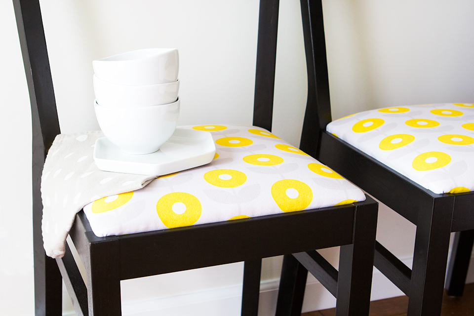 upholstered dining room chairs diy. give life to old chairs with your very own custom printed fabric! (click through upholstered dining room diy m