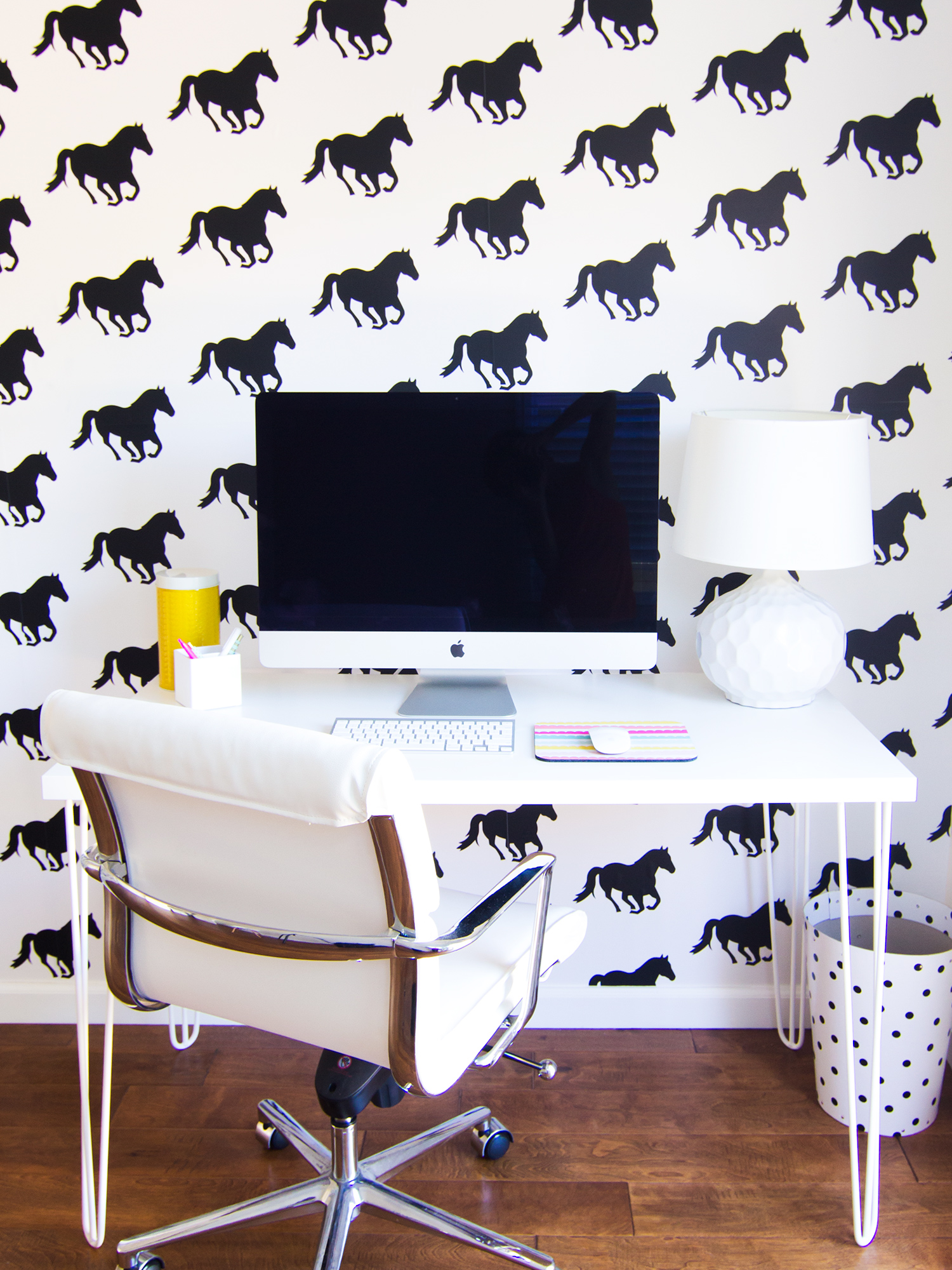 Loving this black and white horse wallpaper!