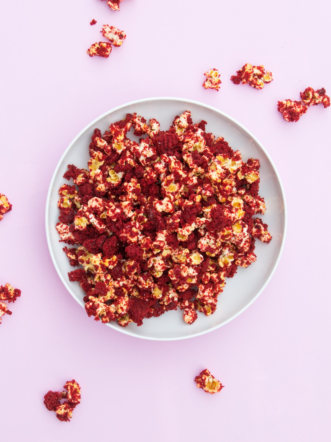 If you love red velvet cupcakes then you're going to love this this salty sweet take on them! This red velvet popcorn is just so good!