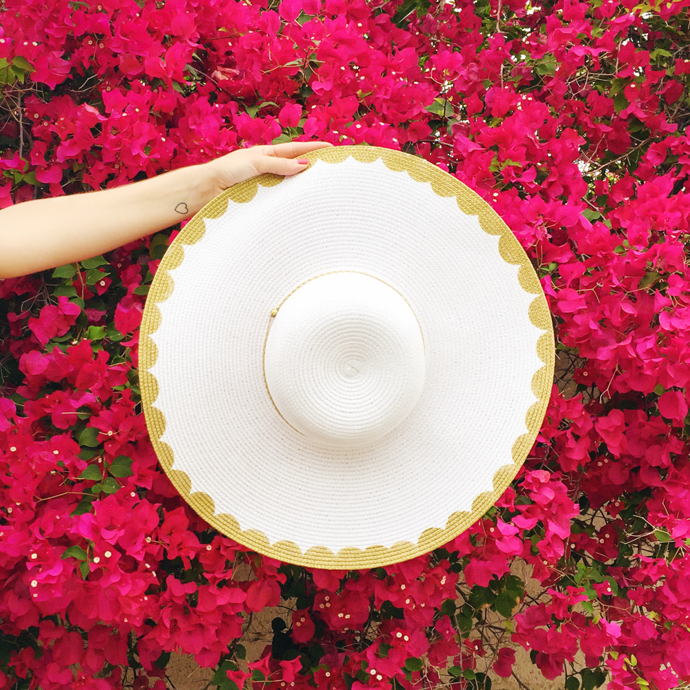 Diy gold scalloped floppy hat sarah hearts get ready to hit the beach or pool with this simple diy floppy hat makeover baditri Gallery