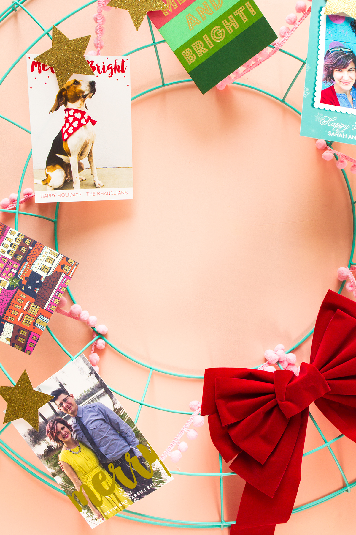 Designing and printing your own holiday photo cards is easier than you think when you use Adobe Photoshop Elements 15.