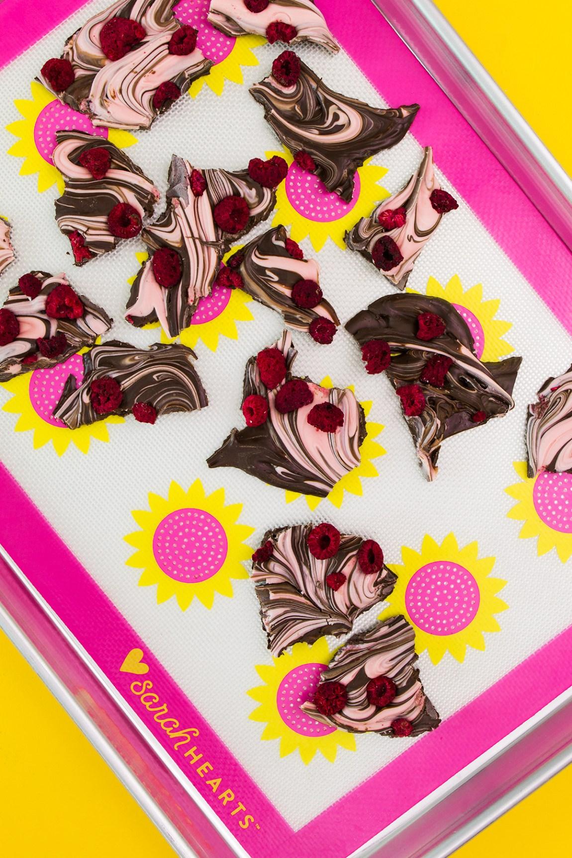Make your valentine something sweet. Try this easy 4 ingredient raspberry dark chocolate bark recipe.