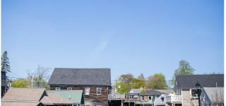 A picture of buildings in Kennebunkport