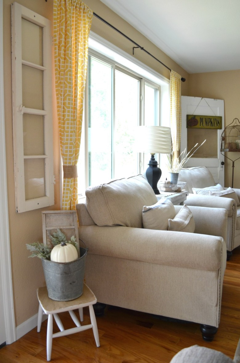 Cozy Farmhouse Fall Living Room Tour