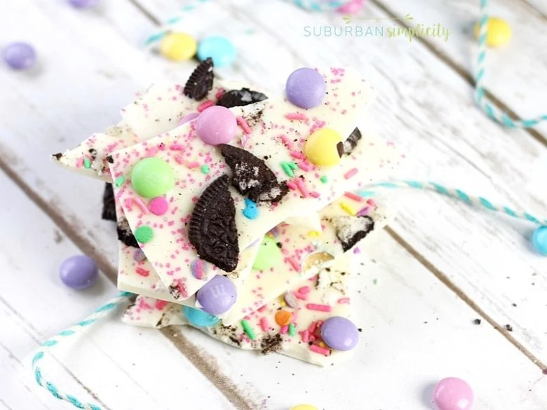 Friday Favorites: Easter Oreo Bark