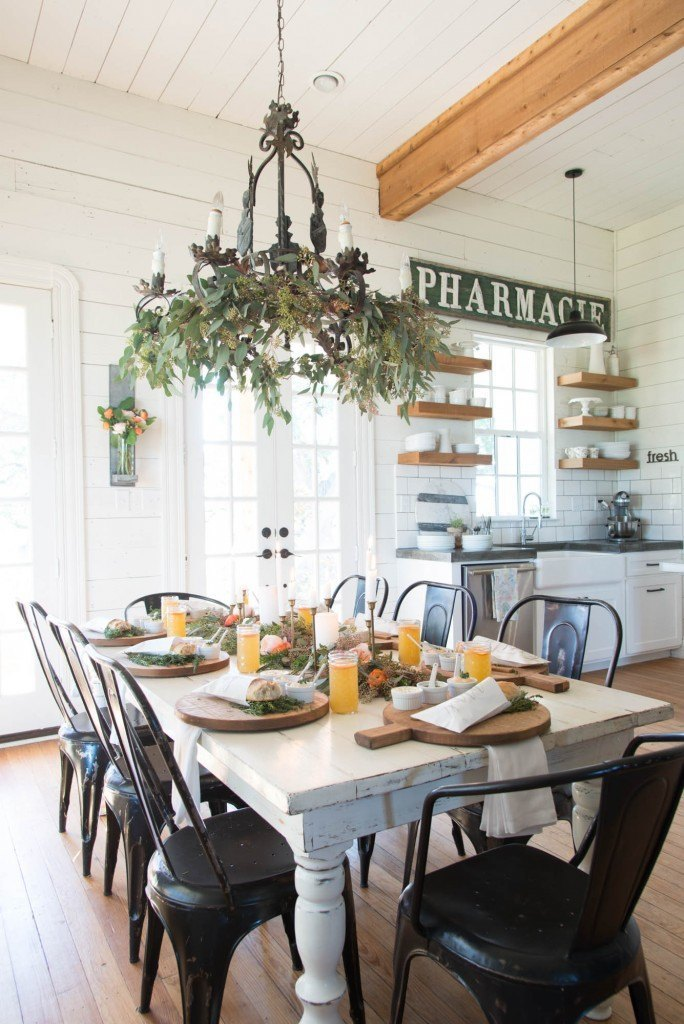Simple decor ideas for after Christmas. Easy decorating ideas for winter.
