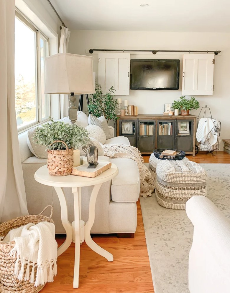 How to Make Any Space Cozy After Christmas. Five easy tips to decorate for winter after Christmas.