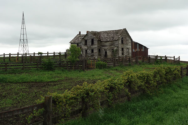 dilapidatedfarm1