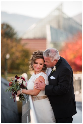 tennessee aquarium chattanooga wedding