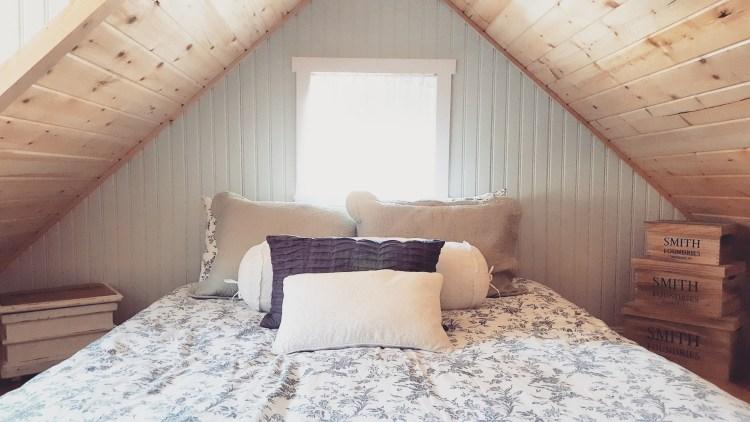 tiny-house-interiors-bedroom