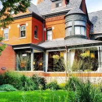 A Cathedral Hill Bed & Breakfast In Historic St. Paul
